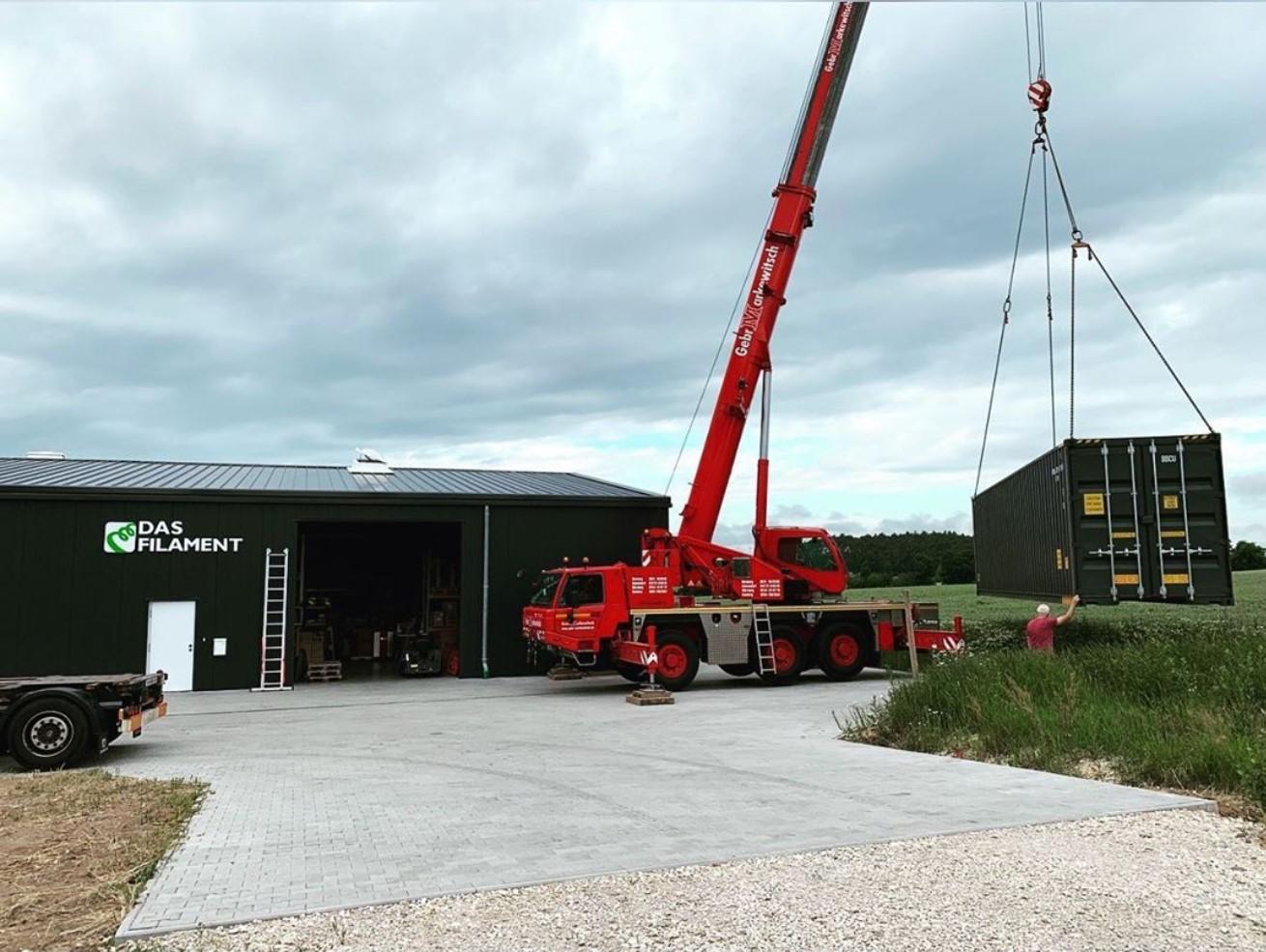 40 Fuß Container, die einfachste Art, sich mehr Fläche zu verschaffen :D
