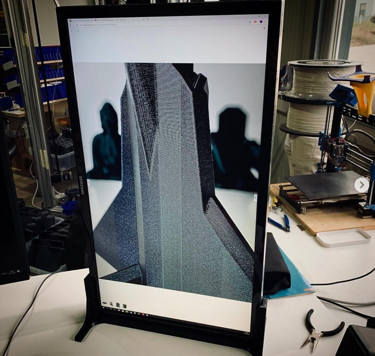 Nützliche 3D Drucke: Bildschirmhalter für die vertikale Monitorausrichtung.